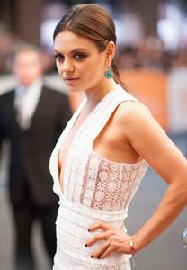 ¿Un look natural con ahumado incluido?. Si, Mila Kunis nos da el ejemplo perfecto