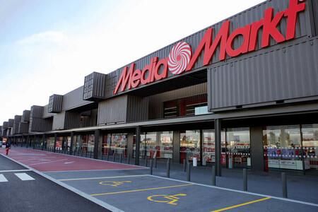 Liquidación de productos de exposición en MediaMarkt: Apple iPad, consolas PlayStation, cámaras Sony y portátiles gaming Asus más baratos