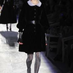 Foto 27 de 61 de la galería chanel-alta-costura-otono-invierno-2012-2013-rosa-gris-brillos-y-nuevo-vintage en Trendencias