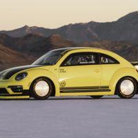 El escarabajo alemán más rápido del mundo ha alcanzado 330 km/h en Boneville, Estados Unidos