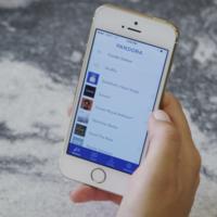 Pandora analizará el contenido de todos los podcasts para recomendarte uno perfecto para ti