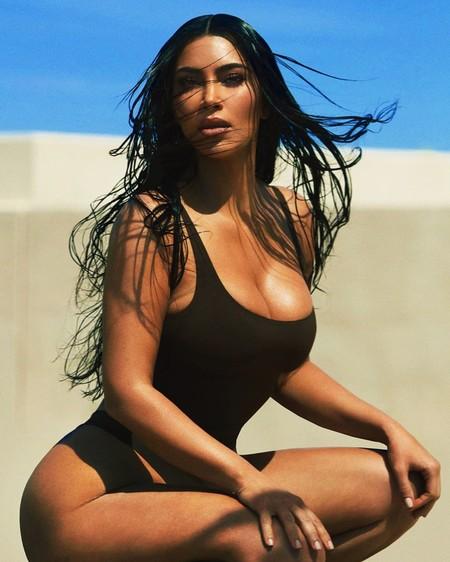 Los ejercicios favoritos de Kim Kardashian para tonificar glúteos, definir piernas y tener siempre vientre plano