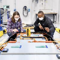 Ford fabricará sus propias baterías de estado sólido en EEUU: su objetivo, abaratar el coche eléctrico