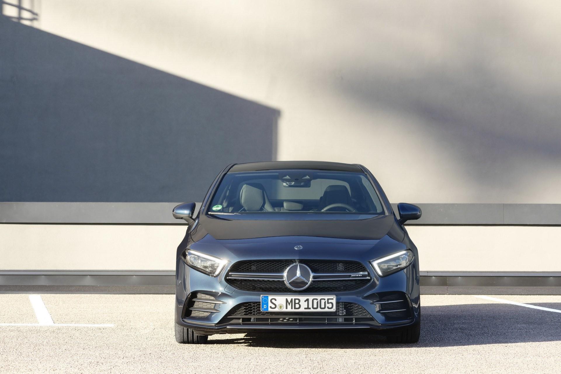 Mercedes-AMG A35 Sedán