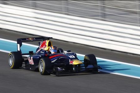 Alex Lynn se proclama campeón de la GP3 con victorias de Dean Stoneman y Nick Yelloly