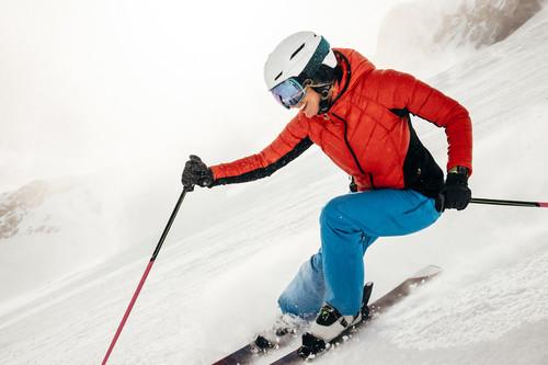 Tres apps para monitorizar tu actividad mientras esquías o haces snowboard este invierno
