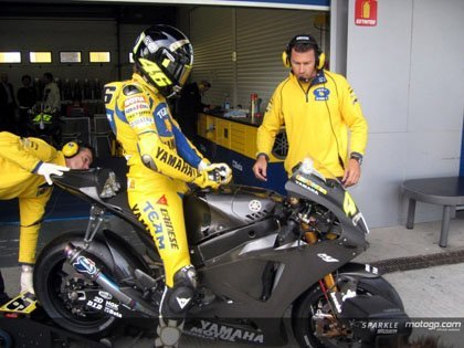 Rossi primero en Jerez