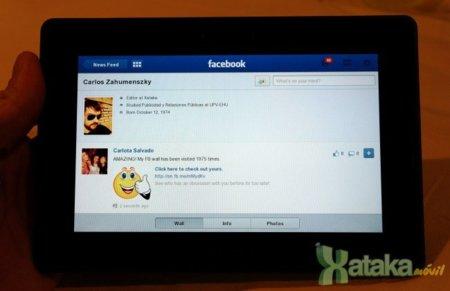 Probamos la primera aplicación propia de Facebook para la Blackberry Playbook