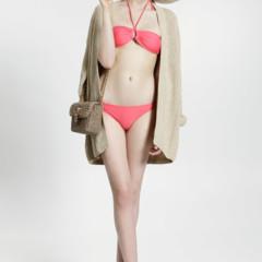 Foto 21 de 23 de la galería uterque-nuevo-lookbook-primavera-verano-2011-entre-el-color-el-minimalismo-y-la-playa en Trendencias