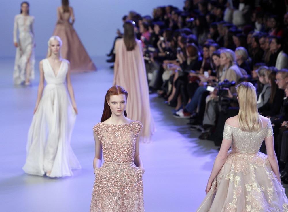 vestidos en crema Elie Saab Alta Costura Primavera-Verano 2014