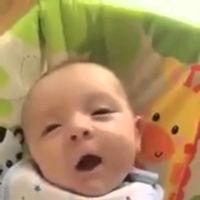 """El bebé que dice """"hello"""" con apenas siete semanas"""