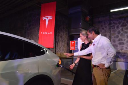 Tesla Supercargador Cuernavaca 02