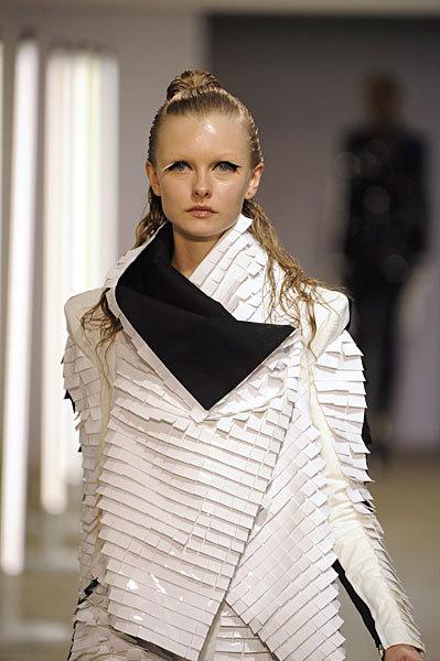Foto de Gareth Pugh en la Semana de la Moda de París Primavera-Verano 2009 (19/28)