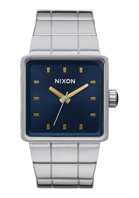 Nixon Quatro 02