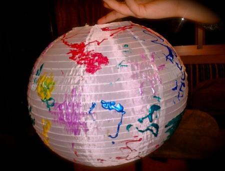 Pequeños pintores en acción: decora un farol chino con los niños
