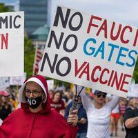 El movimiento online contra las vacunas en la era del COVID-19 se divide en estos cuatro grupos