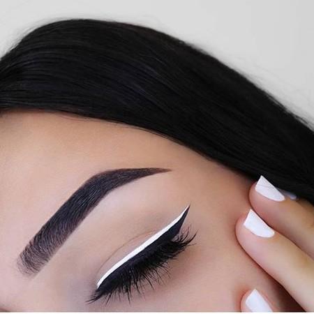 Eyeliner Blanco 4