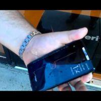 Motorola Razr, test de estrés bajo agua