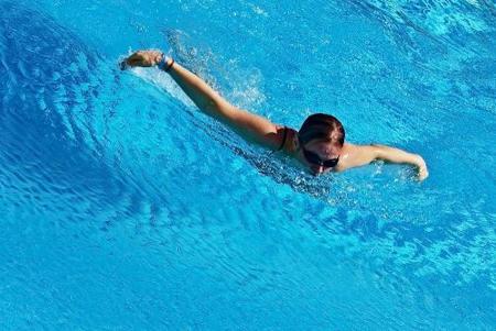 Un ejemplo de rutina para mejorar las marcas en natación