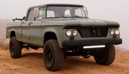 Dodge D200 Power Wagon Crew Cab Reformer, una original pick-up de 1964 restaurada por Icon