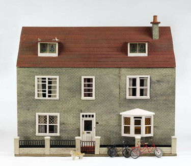Un sorprendente recorrido por la arquitectura británica con casa de muñecas