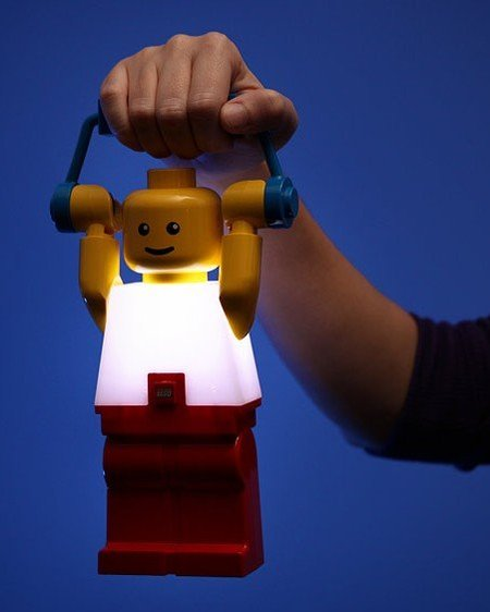 Linterna de Lego con luces LED