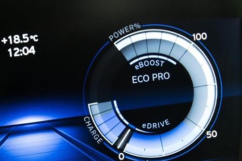Los coches híbridos no ahorran por arte de magia, te damos tips para maximizar su eficiencia