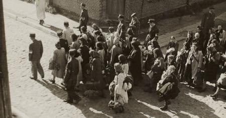 La calma antes de la tempestad: las postales de las víctimas nazis antes de saber que iban a ser ejecutadas