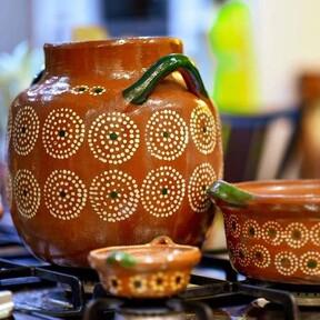 Cómo detectar plomo en tu olla, platos y tazas de barro. Tres métodos fáciles que puedes aplicar en casa para cuidar tu salud
