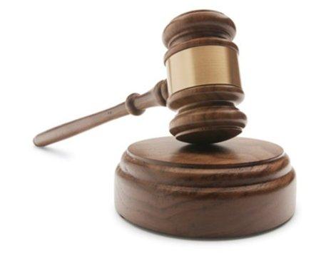 Condena de un año de prisión por enlazar a páginas de descargas
