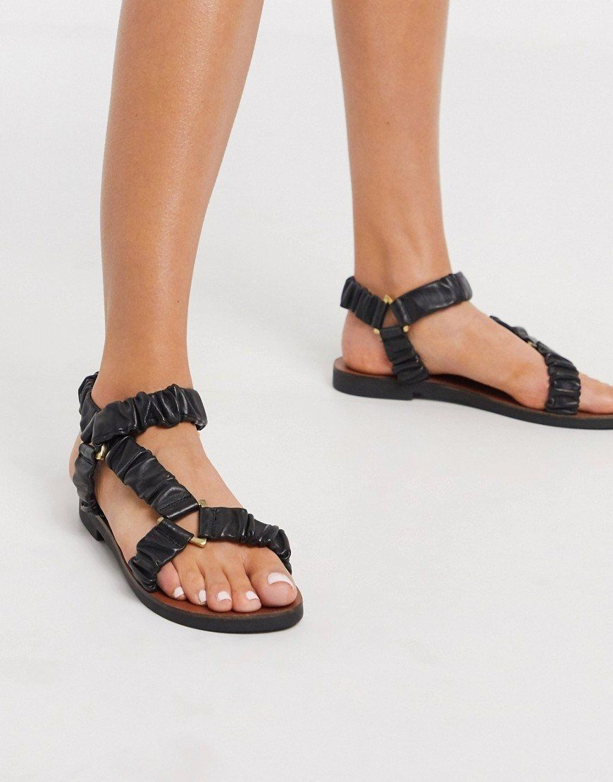 Sandalias negras deportivas de cuero Fable Premium.