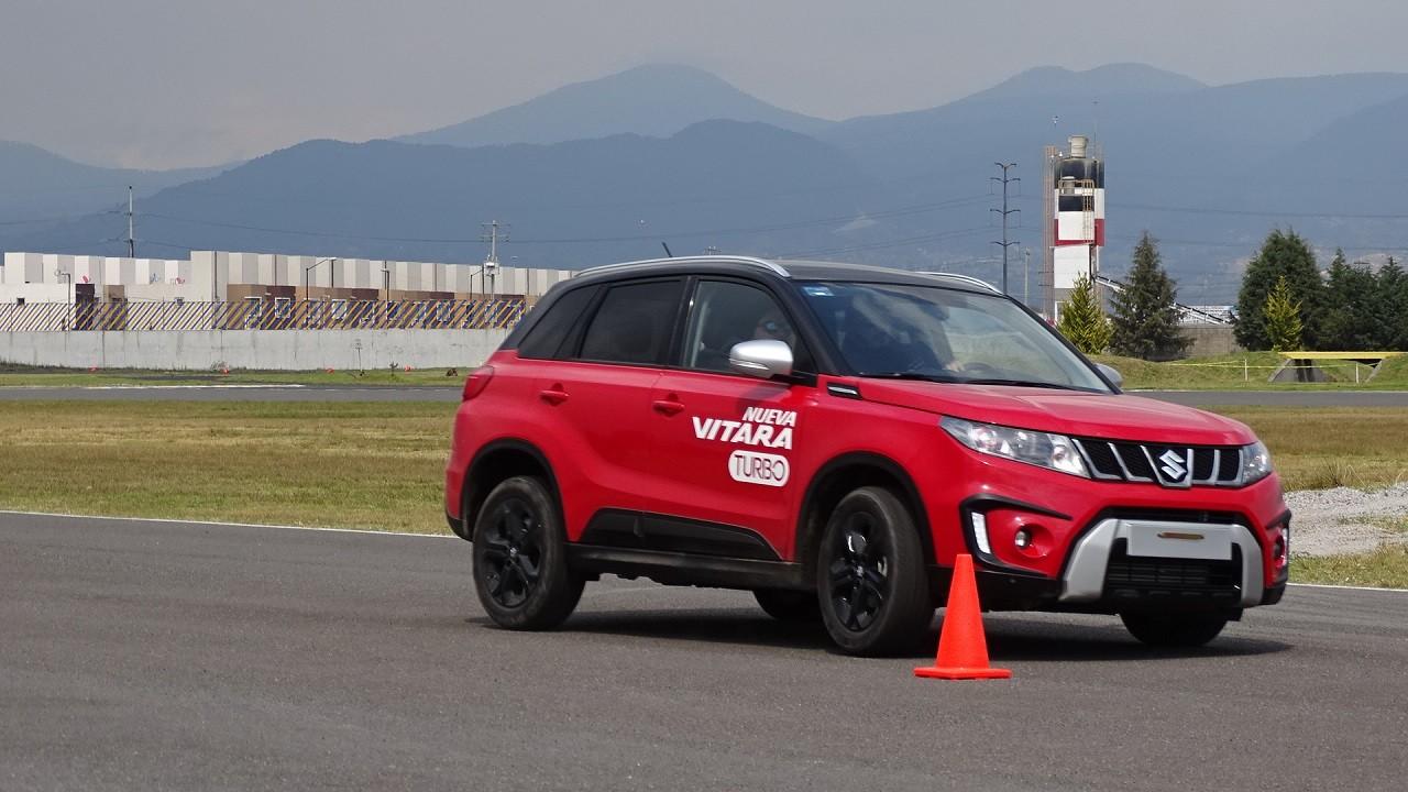 Foto de Suzuki Vitara Turbo prueba de manejo (9/18)