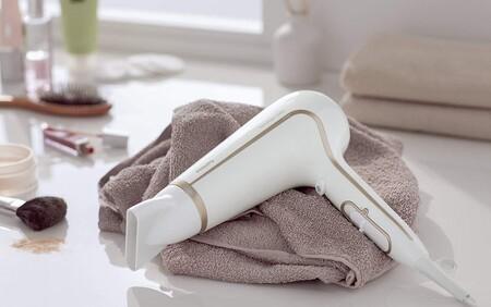 El secador de pelo más vendido de Amazon (y con buenísmas reseñas) es de Philips y ahora cuesta menos de 20 euros