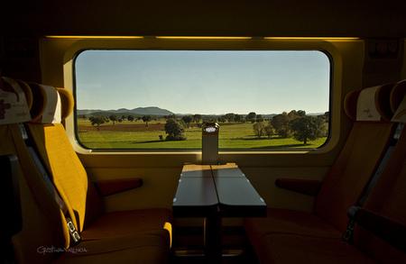 Las familias pueden viajar en trenes AVE o larga distancia con una tarifa que incluye un 60 % de descuento
