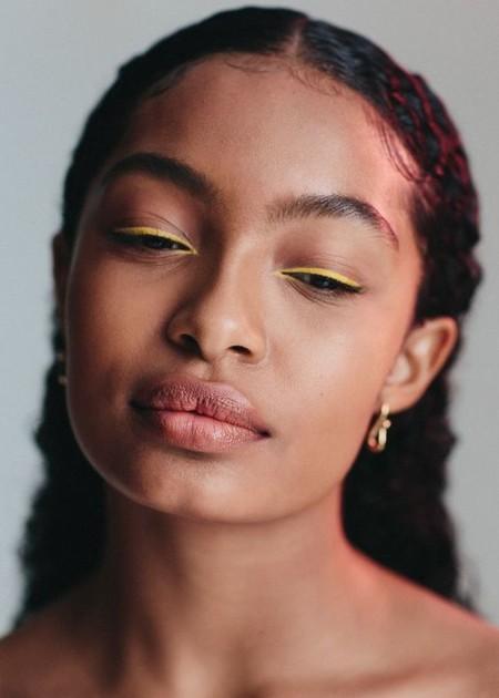 Eyeliner Amarillo 5