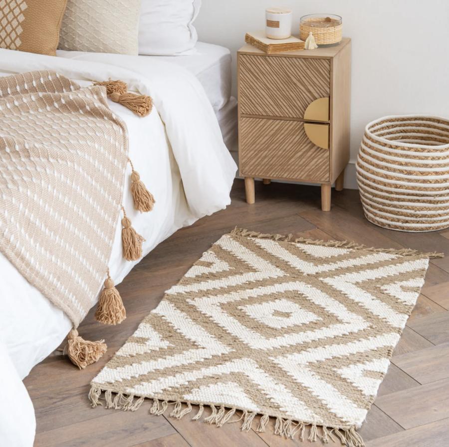 Alfombra de algodón y yute trenzado color crudo y beige 60x90