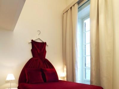 ¿Fashion victim perdida por Milán? Tu lugar de ensueño es la Maison Moschino