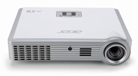 Acer K335 ofrece 1.000 lúmenes para llevar a todos lados