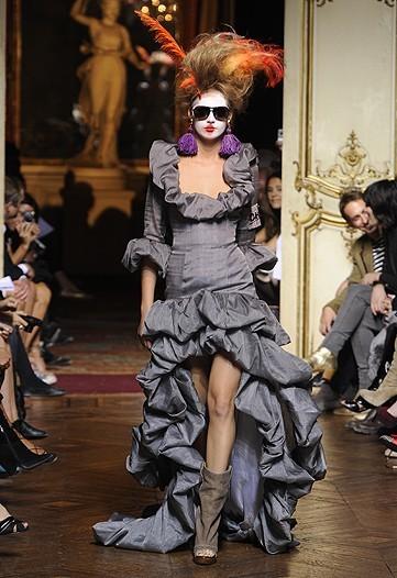 Foto de Vivienne Westwood Primavera-Verano 2010 en la Semana de la Moda de París (14/21)