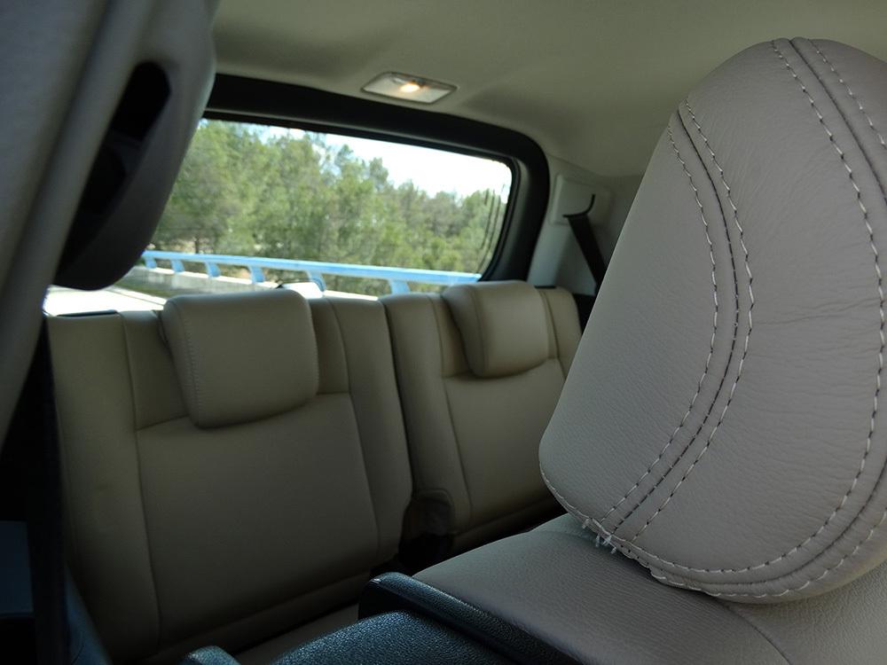 Foto de Interiores Toyota Land Cruiser 180D Auto VX Kirari Plus (10/14)