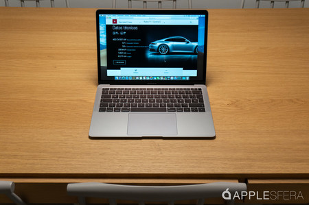 MacBook Air con pantalla Retina, Intel Core i5 y 128 GB de SSD por 1.067,90 euros
