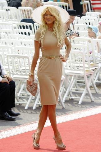 Boda Real en Mónaco: el look de la modelo Silvia Silvstedt