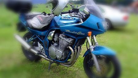 ¡Cuidado! Emparedado de moto
