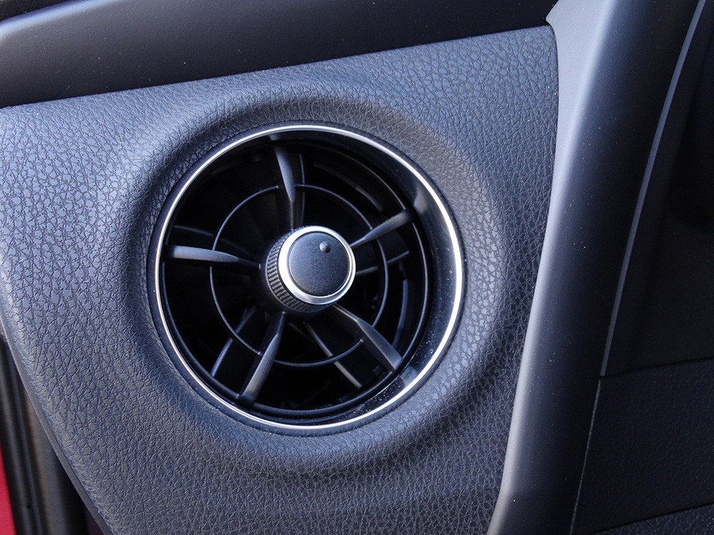 Todas Las Im 225 Genes Del Toyota Auris Hybrid 2016 Interior