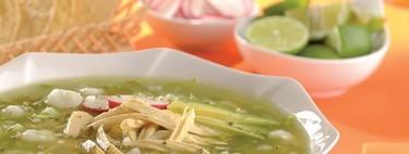 Receta mexicana. Pozole verde con pollo