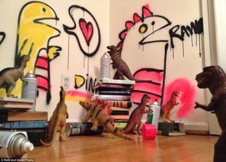 Dinovember: en noviembre, los dinosaurios invaden Internet con sus travesuras