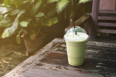 Smoothie de yogurt y té verde por 57kcal