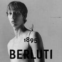 Kris van Assche presenta su primera campaña para Berluti combinando tradición en piel y modernismo