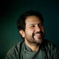 Enrique Olvera participará en la nueva serie de competencia gastronómica Todo el Mundo a la mesa de Netflix