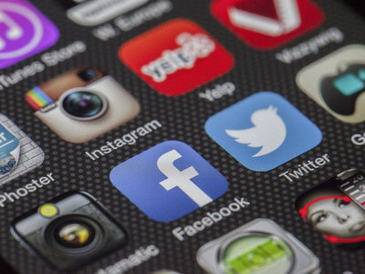 La pyme también puede utilizar las redes sociales para ofrecer puestos de trabajo